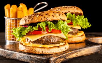 Accord mets/vins :  Que boire avec… un cheeseburger ?